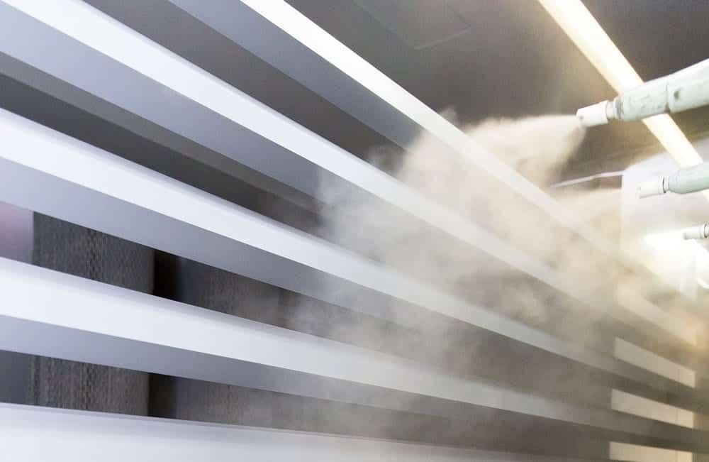 Sơn tĩnh điện là công nghệ sơn phổ biến hiện nay, công nghệ này tạo ra sự bám dính cho màng sơn.
