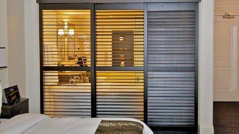 Cửa sổ lá sách cho phòng ngủ, tạo không gian thông thoáng, thoải mái
