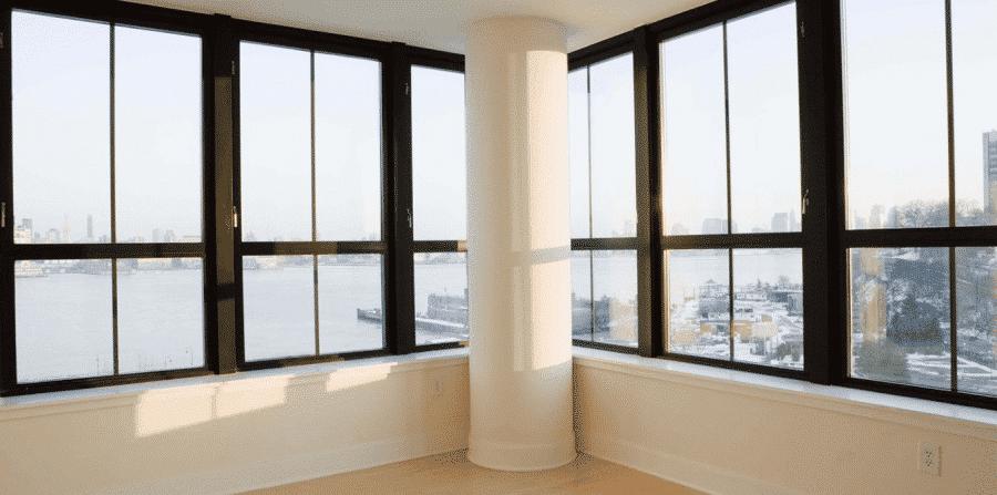 Cửa sổ nhôm kính có kết cấu vững chắc, an toàn cho không gian sống