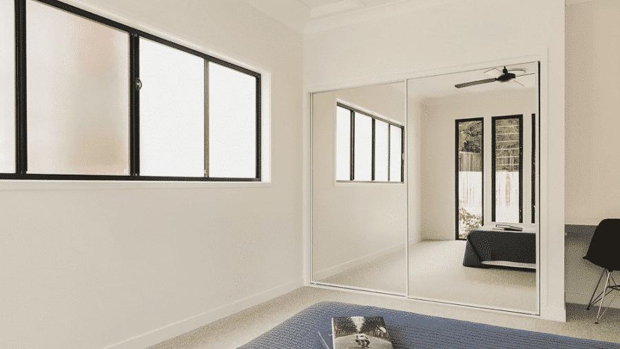 Cửa sổ lùa nhôm kính được đặt trong không gian hiện đại