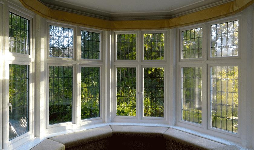 Cửa sổ nhôm kính tạo thành vòng cung vừa cổ kính lại sang trọng