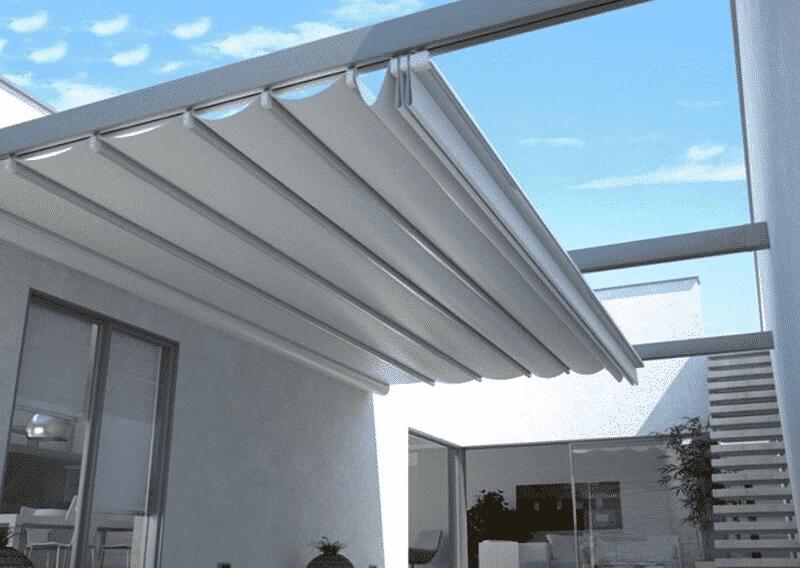 Mái hiên thường dùng để che mưa, che nắng cho ngôi nhà