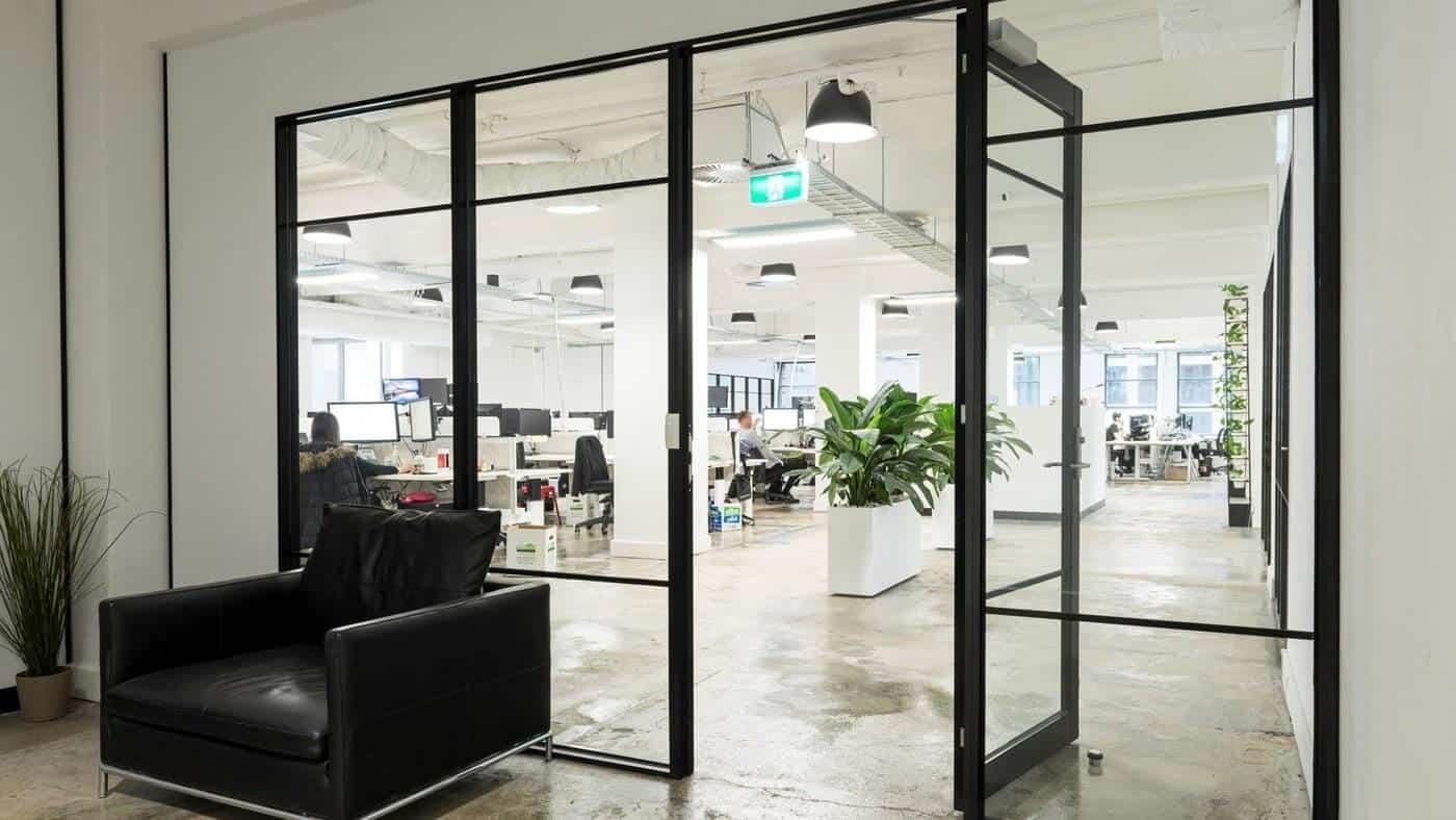 Cửa nhôm kính sử dụng cho văn phòng
