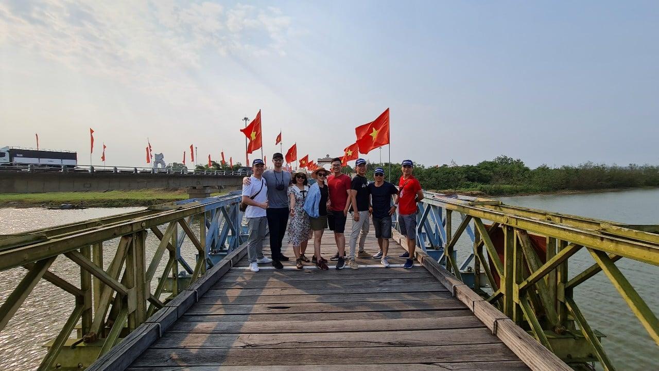 Cầu Hiền Lương, sông Bến Hải chia cắt hai miền đất nước, trở thành cảm hứng sáng tác của nhiều nhà văn, nhà thơ trong những năm tháng kháng chiến trường kỳ.