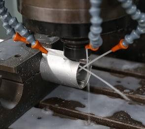 Nhà máy Loval chuyên gia công nhôm, sơn tĩnh điện, sản xuất và xuất khẩu sản phẩm nhôm sử dụng trong trang trí nội, ngoại thất, xây dựng và nhôm ứng dụng trong công nghiệp.