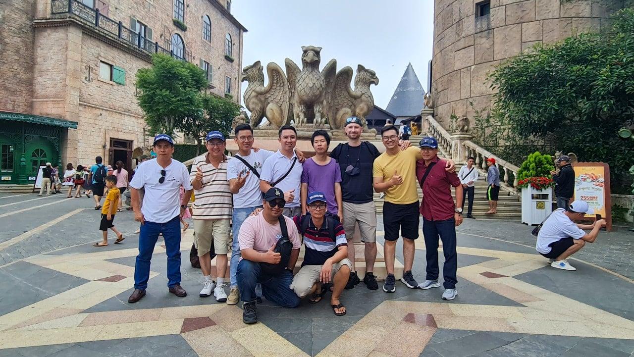Bà Nà Hill - quần thể du lịch nghỉ dưỡng kết hợp vui chơi giải trí độc đáo và nổi tiếng bậc nhất Đà thành. Đến nơi đây như lạc vào xứ sở thần tiên.